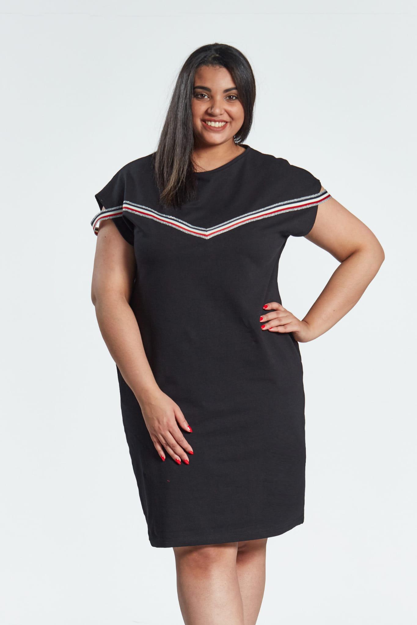 8f7b846957572f Czarna sukienka Jula z lampasami duże rozmiary OVERSIZE PLUS SIZE WIOSNA